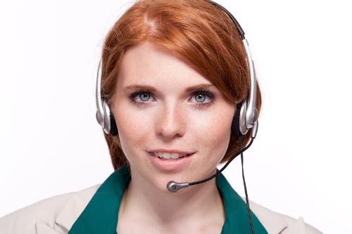 telforce-callcenter-agent-redhead